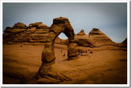 Delicate Arch with Hikers