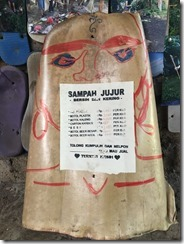 Sampah Jujur sign