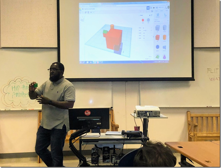 Michael Ford teaching kids how to use Tinkercad.